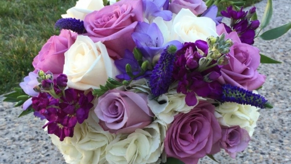 10 Ways to Get the Most Out of Your Wedding Flowers