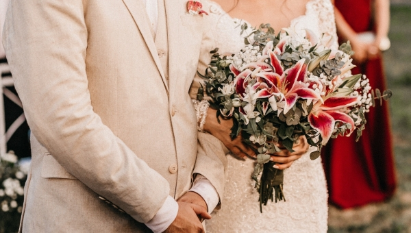 All the 2020 Wedding Flower Trends, According to Experts